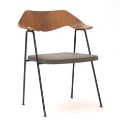 675 Chair 1952 Hille. Robin and Lucienne Day foundation - Lives and Designs