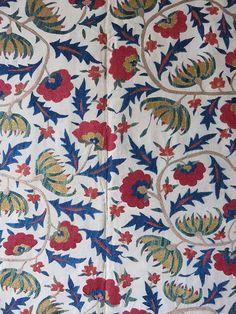 uzbekistan-tashkent-silk-suzani-embroidery-hanging