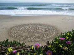 Awesome beach/sand art... I want to recreate my own version of this!