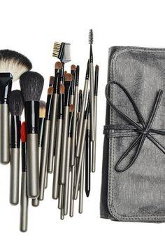 glam makeup with wool High-end makeup set Makeup Set, Glam Makeup, High End Makeup, Makeup Brushes, Wool, Glamorous Makeup, Brushes