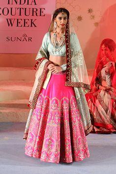 Anju Modi - Amazon India Couture Week 2015