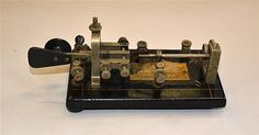 """VIBROPLEX """"BUG"""" TELEGRAPH KEY, marked The Vibroplex Co.1904-1905 - the first completely mechanical semi-automatic telegraph key"""