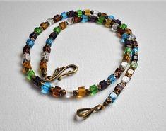Bunte Glasperlenkette, Glasperlen Halskette bunt, Glasperlenkette von FlinkePerle auf Etsy Bronze, Beaded Bracelets, Charmed, Etsy, Jewelry, Fashion, Light Blue, Crystals, Pouch