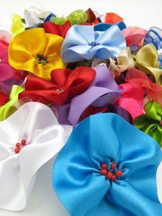 Flores com fitas - Clube de Artesanato