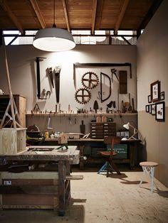 Woodworking Lathe – Art & Craft World Workshop Studio, Home Workshop, Garage Workshop, Woodworking Shop, Woodworking Plans, Woodworking Machinery, Japanese Woodworking, Woodworking Magazine, Garage Atelier