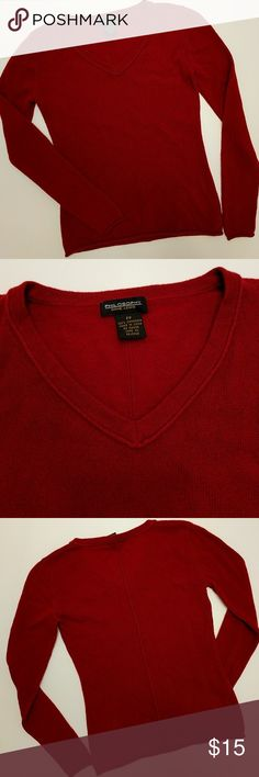 100% Cashmere sweater A red cashmere sweater that will be perfect for the month of February! It would look great with black or blue pants making it great for a date night. It is of course soft and lovely on the skin. Philosophy Dane Lewis Sweaters V-Necks