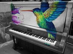 An old painted piano. Love.