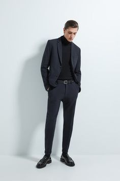 Mens Suit Fit, Slim Fit Suits, Mens Suits, Nba Fashion, Mens Fashion Suits, Mens Winter Suits, Turtleneck Suit, Giorgio Armani, Blazer Outfits Men