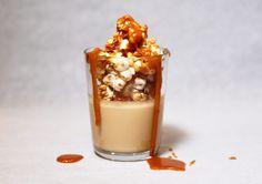 Salted caramel pannacotta med kanderade popcorn