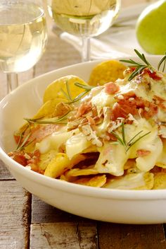 Pear and Blue Cheese #Nachos: an adult version of this popular snack, and perfect for a book-club gathering!