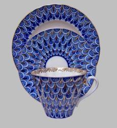 Fine Russian Porcelain by Lomonosov Cobalt and Gold 2 teacups/saucers and 2 Dessert 7