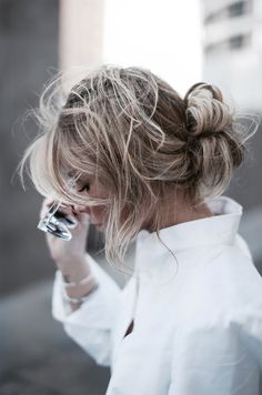 Messy boho bun and crisp white shirt = a perfect study in contrast. Love the colour as well.