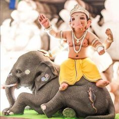 Ganesh chaturthi ki shubh-kamnaye – The Mommypedia Shri Ganesh Images, Ganesh Chaturthi Images, Ganesha Pictures, Indian Goddess, Durga Goddess, Whatsapp Dp, Ganpati Bappa Wallpapers, Ganesh Idol, Ganesha Art