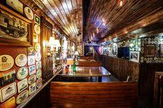 Rock 'N' Roll PUB - Čia savaitgalis niekada nesibaigia Irish Pub Interior, Bar Interior, Interior And Exterior, Irish Bar, Pub Ideas, British Pub, Irish Design, Man Cave Bar, Exterior Design