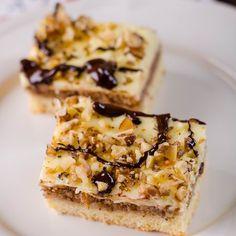 Nagyi diós-krémes sütije Recept képpel - Mindmegette.hu - Receptek Poppy Cake, Hungarian Recipes, Hungarian Food, Smoothie, Food To Make, French Toast, Breakfast, Finger, Easter