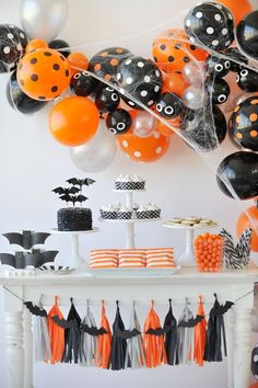 Spooky Halloween Balloon Garland | Halloween Party Decorations