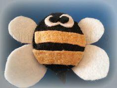 abeja de fieltro // felt bee