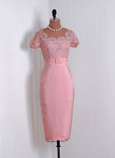 Vintage Emma Domb Designer-Couture Elegant Champagne-Pink French Chantilly-Lace and Silk-Rayon Scalloped Low-Cut Plunge Cummerbund Nipped-Waist Hourglass Pencil-Wiggle Back Draped-Fishtail Bombshell Formal Wedding Cocktail Party Dress Moda Vintage, Vintage Mode, Vintage Style, 50s Vintage, Vintage Outfits, Vintage Dresses, Vintage Clothing, 1950s Dresses, 1950s Style