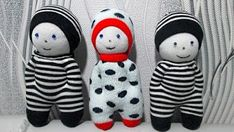 How to Make a Sock Doll, DIY dolls from socks socks style) - Her Crochet Knitted Dolls, Crochet Dolls, Loom Knitting Projects, Sewing Projects, Diy Dolls From Socks, Felt Doll Patterns, Sock Snowman, Sock Crafts, Sock Toys
