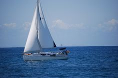Como me encantaba navegar!! Joooo! (Pero nunca lo hice por Salou!!!)