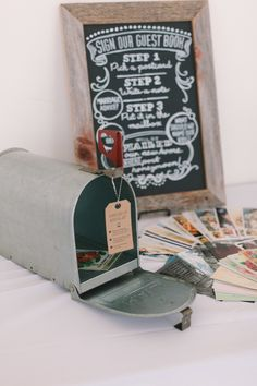 View entire slideshow: 16 Creative Guest Book Alternatives on http://www.stylemepretty.com/collection/2085/