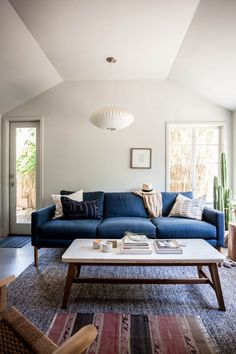 living room inspiration // blue couch #austin