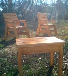 How To Build 2 Outdoor Arm Chairs And A Side Table - Jays Custom Creations Outdoor Furniture Plans, Outside Furniture, Wood Pallet Furniture, Deck Furniture, Rustic Furniture, Cheap Furniture, Office Furniture, Furniture Ideas, Garden Chairs