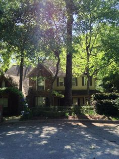 3611 Royal Oak Court - gated area in The Woods off University near UTTyler  New Divide & Conquer sale starting this Thursday April 20-April 22, 2017 check out the details here:  http://divideandconquerofeasttexas.com/nextsales.php  #estatesales #consignments #consignment #tyler #tylertx #tylertexas #organizing #organizers #professionalorganizer #professionalorganizers #movingsale #movingsales #moving #sale #divideandconquer #divideandconquerofeasttexas #divideandconquereasttexas…