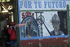 Protesta de mineros en el pozo de El Sotón