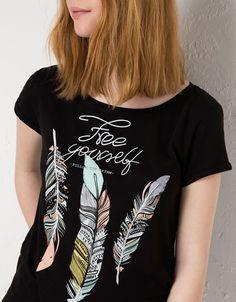 BSK feather print t-shirt - T-shirts - Bershka United Kingdom
