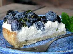 Blueberry tart with mint and cream cheese   Blaubeer-Tarte mit Minze und Frischkäsecreme