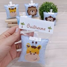 Best gift for kid - good picture Baby Favors, Baby Shower Favors, Baby Shower Parties, Baby Showers, Teddy Bear Baby Shower, Baby Boy Shower, Felt Decorations, Birthday Decorations, Felt Crafts