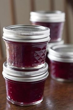 Makiing Homemade Cranberry Jam