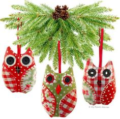 Handmade Christmas-tree ornaments give instant vintage style to any Christmas tree and are guaranteed to get you in the festive spirit. They're super quick and Owl Christmas Tree, Quilted Christmas Ornaments, Fabric Christmas Trees, Handmade Christmas Decorations, Felt Ornaments, Christmas Diy, Christmas Things, Owl Sewing Patterns, Christmas Sewing Patterns