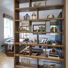 Room divider in hout Living Room Partition Design, Living Room Divider, Room Divider Walls, Room Partition Designs, Home Living Room, Living Room Designs, Living Room Decor, Room Dividers, Bookshelf Room Divider