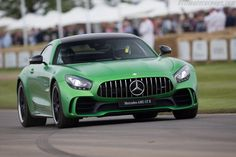 Mercedes AMG GT R http://autotema.org.ua/mercedes-benz-anonsiroval-poyavlenie-novogo-sportkara-mercedes-amg-gt-r/