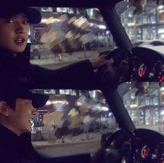Handsome driver  #20171129 #chanyeol #exo Chanyeol Cute, Park Chanyeol Exo, Kyungsoo, Fanfiction, Wattpad, Exo Members, Chanbaek, Super Junior, Rapper