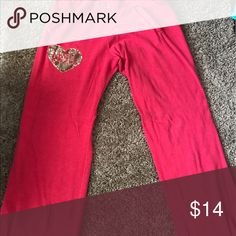 Medium Victoria's Secret Angel Red Sweatpants Gold Gold sequins! Smoke-free home. 🚭 same day shipping! 📦 see all my other listings & positive feedback! 🎀 Have a great day! ❤️ Victoria's Secret Pants