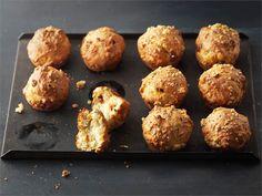 Suolaiset muffinit ovat kiireisen leipojan suosikkeja. Ne maistuvat väli- tai iltapalaksi.