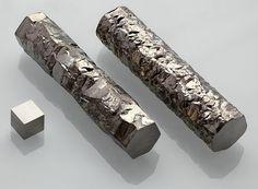 File:Zirconium crystal bar and 1cm3 cube.jpg