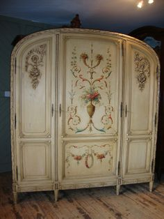 French Painted Armoire | 251537 | Sellingantiques.co.uk
