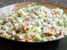 Mais pedido, combina com tudo e é ótimo para o verão. Experimente fazer essa salada incrível ai na sua casa. Salada Tradicional de Maionese