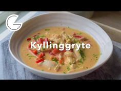 Kyllinggryte - YouTube Cheeseburger Chowder, Thai Red Curry, Soup, Ethnic Recipes, Soups