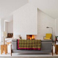 Un salon design scandinave structuré sobre et aéré - Marie Claire Maison