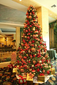 Red and Gold Christmas Tree | by Christmas Specialists