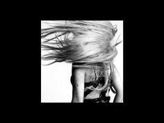 "HAUS OF Ü ft. JO CALDERONE"" par Inez & Vinoodh"