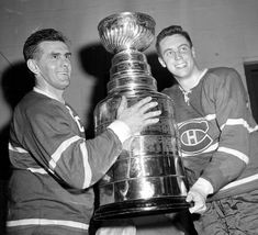Maurice Richard & Jean Beliveau with The Original Stanley Cup. HockeyGods strives to untie hockey fans from across the globe covering all types of hockey imaginable. Maurice Richard, Stanley Cup Playoffs, Stanley Cup Finals, Montreal Canadiens, Montreal Hockey, Nhl Season, Pro Hockey, National Hockey League, Boston Bruins