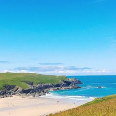 The beautiful Polly Joke beach today  - lovely photo by @mariannetaylor - thanks for sharing   Tag your Cornwall beach photos #360beaches to be featured on our Instagram and website!  #cornwall #beach #newquay #lovecornwall #ilovecornwall #beachwalk #coast #swcoastpath #lovenewquay #kernow #sunshine #waves #wanderlust #sand #landscape #nature