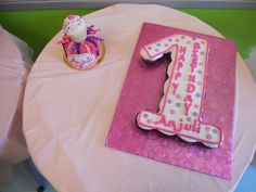 1sst Birthday cupcake cake