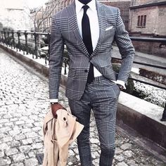 Royal Fashionsit is the best Men's Fashion Guide. Here you will find the latest trends on men's style. Get inspired with these outfits and leave your comment below. Best Mens Fashion, Mens Fashion Suits, Mens Suits, Style Fashion, Best Suits For Men, Cool Suits, Buy Suits, Formal Men Outfit, Suit Combinations